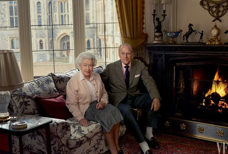 Photo: Vanity Fair  Queen Elizabeth posing with her husband, Prince Philip.