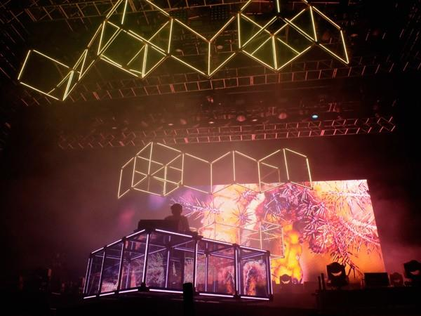 (Getty Images: Flume performs at Coachella 2016 with his new tour stage)