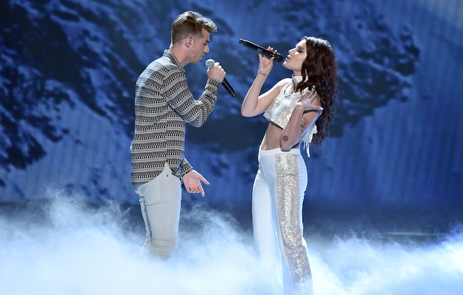 NEW YORK, NY - AUGUST 28: Andrew Taggart of The Chainsmokers and Halsey perform onstage during the 2016 MTV Video Music Awards at Madison Square Garden on August 28, 2016 in New York City. (Photo by Theo Wargo/MTV1617/Getty Images for MTV)