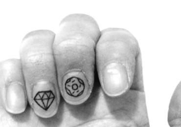 Tattoo Manicure